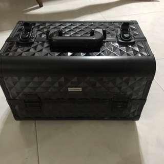 Make up box storage