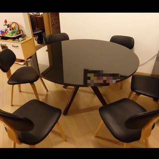 Wooden Dining table with 6chairs 135cm diameter