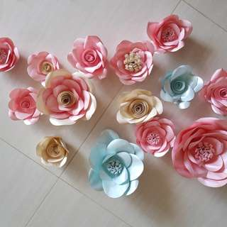 Ready-made Paper flowers