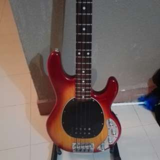 Sterling ray 34 by Musicman