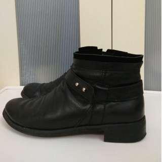 ALL BLACK 皮靴 (黑色)