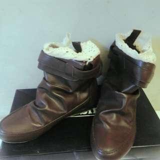 Sepatu boots Gabino