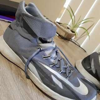 Nike Zoom Hyperrev - Grey colourway