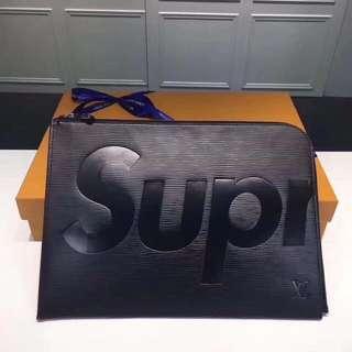 [代購]Louis Vuitton x Supreme POCHETTE JOUR 手提包