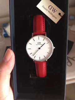 Daniel Wellington dw 32mm size for women watch