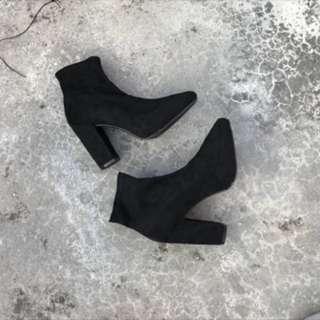 🚚 Forever 21 高跟歐美靴 👢
