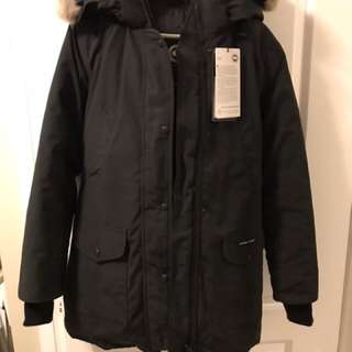Woman black Canada goose trillium size small