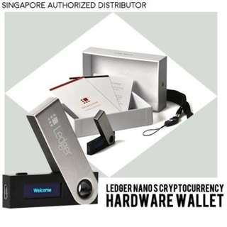 Cryptocurrency Hardware Wallet.