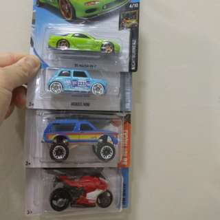 Hot Wheels Mazda RX-7 lot