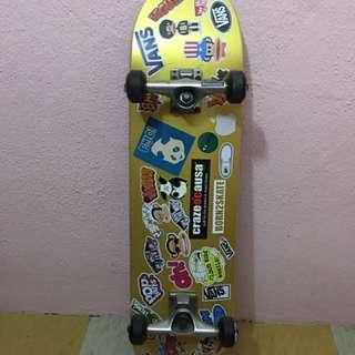 Skateboard BORN2SKATE
