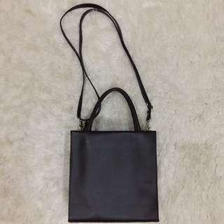BLACK plain minimalist handbag/shoulderbag