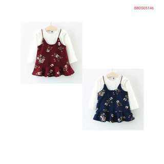 Two Piece Trendee T and Flora (wechat: Strawmint)
