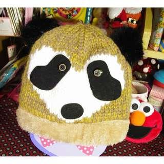 這裡 Zhè lǐ 日系設計師小店購入,可愛動物造型保暖毛帽