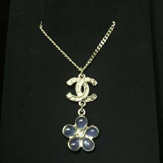 Chanel necklace 99% new