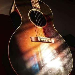 Gibson blues king acoustic/parlor
