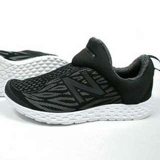 New balance fresh foam zante slip on black size 42&43