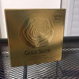 全新 Gold suite女神亮白修飾粉餅