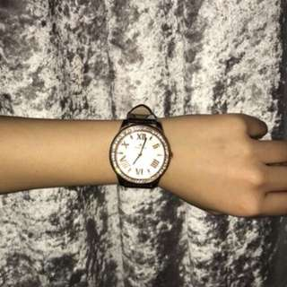 Sparkly women's watch