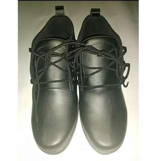Sepatu Formal dan Casual