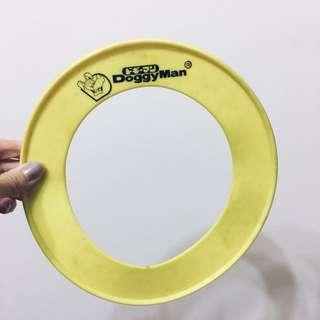 螢光黃中空飛盤!與小孩或狗狗在草地玩遊戲的玩具!