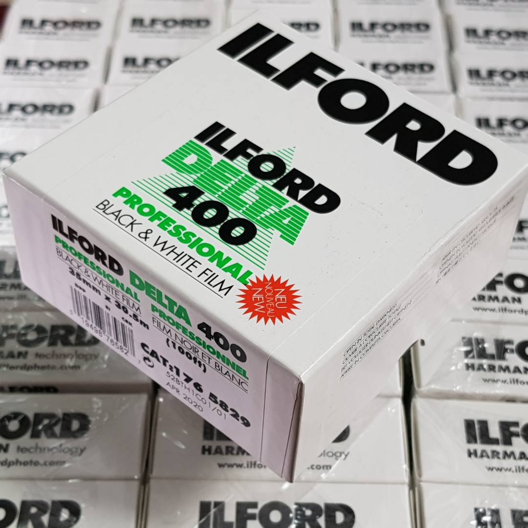 35mm Ilford Delta 400 30.5m Black & White Fresh Bulk Film ( iso 400 ) 135 format