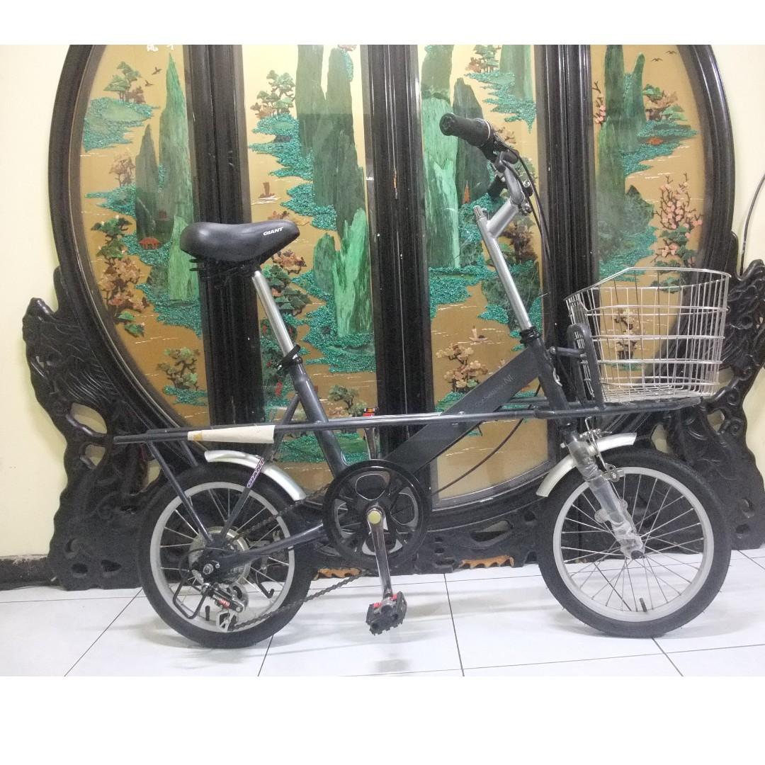 9成新16吋捷安特GIANT(cf601)灰色6段shimano變速小徑腳踏車.桃園市自取