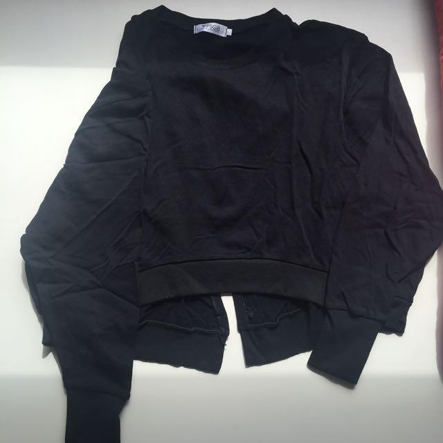 黑色特色上衣