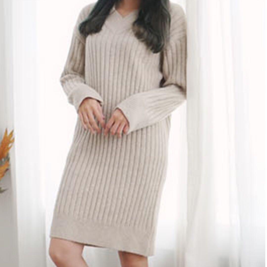 正韓 V領直紋坑條毛衣洋裝