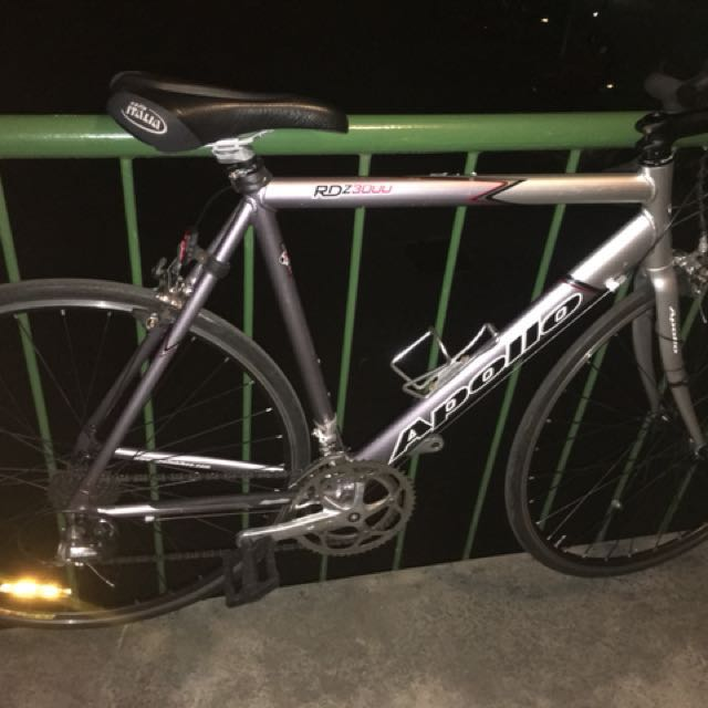 Apollo road bike