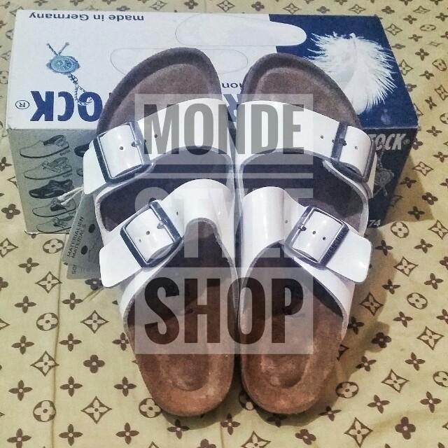 9b83a0905399 Authentic Birkenstock Arizona White Sandals Size 38