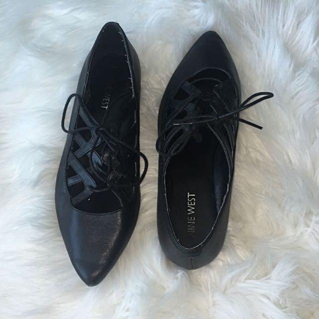 Authentic Nine West Black Ballet Flats (size 6)
