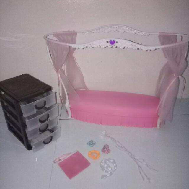 Barbie bed accessories