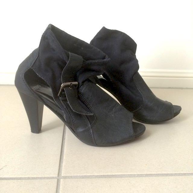 Black Heels With Buckle