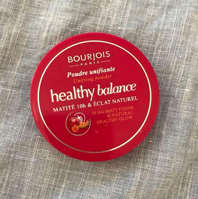 """Bourjois Healthy Balance Matte Pressed Powder in """"52 Vanilla"""""""