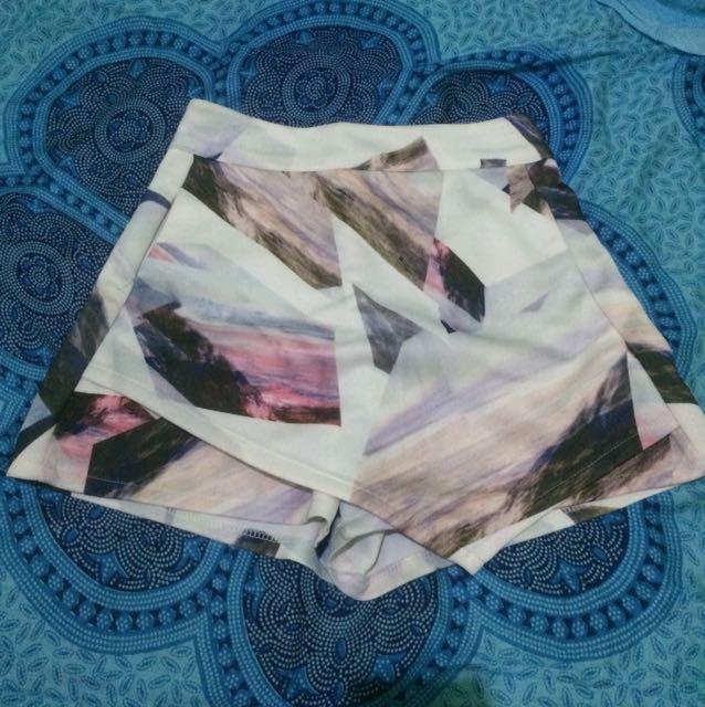 Celana rok abstrak