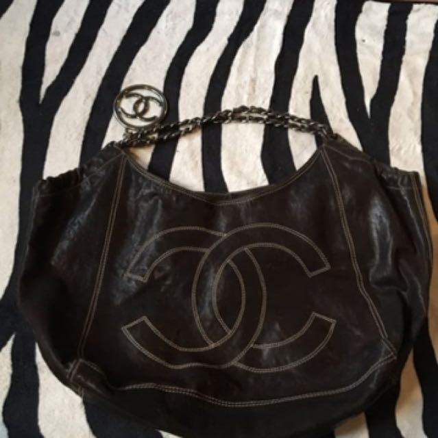 Chanel shoulder chain bag