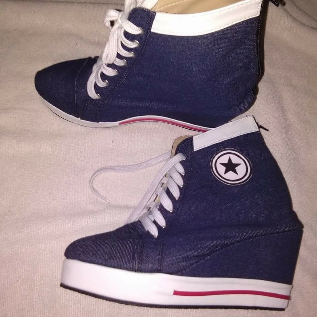 Converse wedge shoes