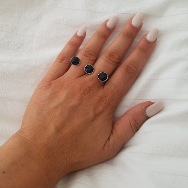 Forever 21 Cute double joined ring