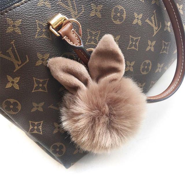 Cute rabbit Pom Pom Key chain