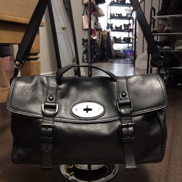 Danier Handbag