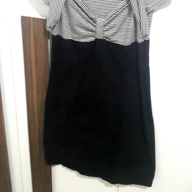 Dress hitam salur