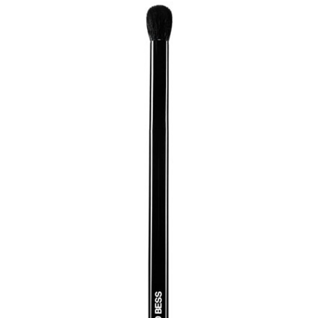 EDWARD BESS LUXURY EYE BLENDING BRUSH / HIGHLIGHT BRUSH  100% AUTHENTIC & BRAND NEW  FREE BRUSH GUARD