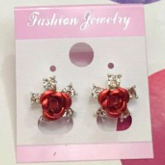 Fancy floral earring (Red)