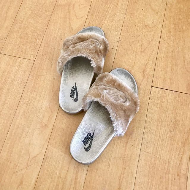 Fashionable Slide Slipper