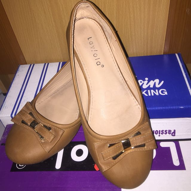 Flat shoes Laviola