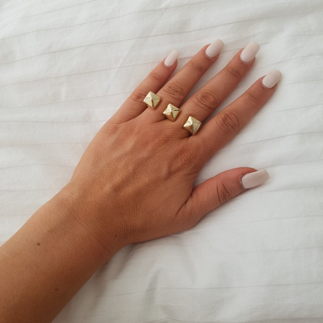Forever 21 Gold Double Joined Ring