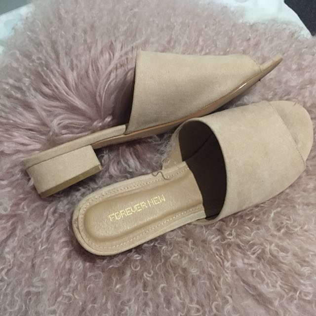 Forever New nude tan flat mule heels size 8 39