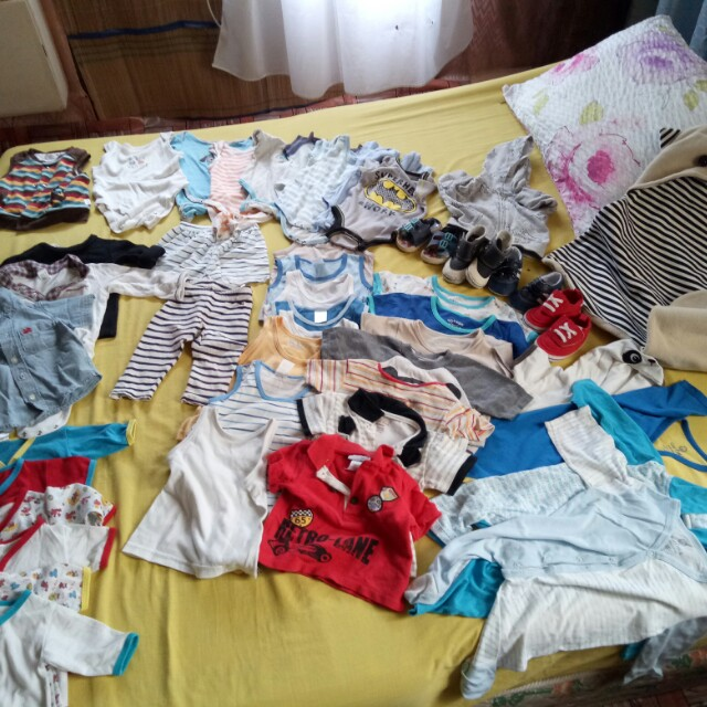 Gian's preloved (50pcs clothes- 4pairs shoes)