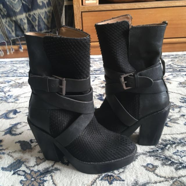 H&M leather scale boots
