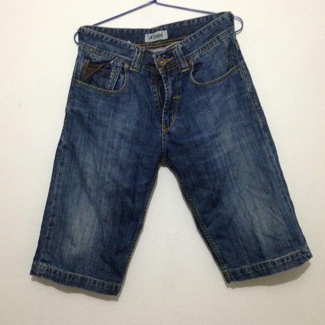 Jeans Pendek Lois